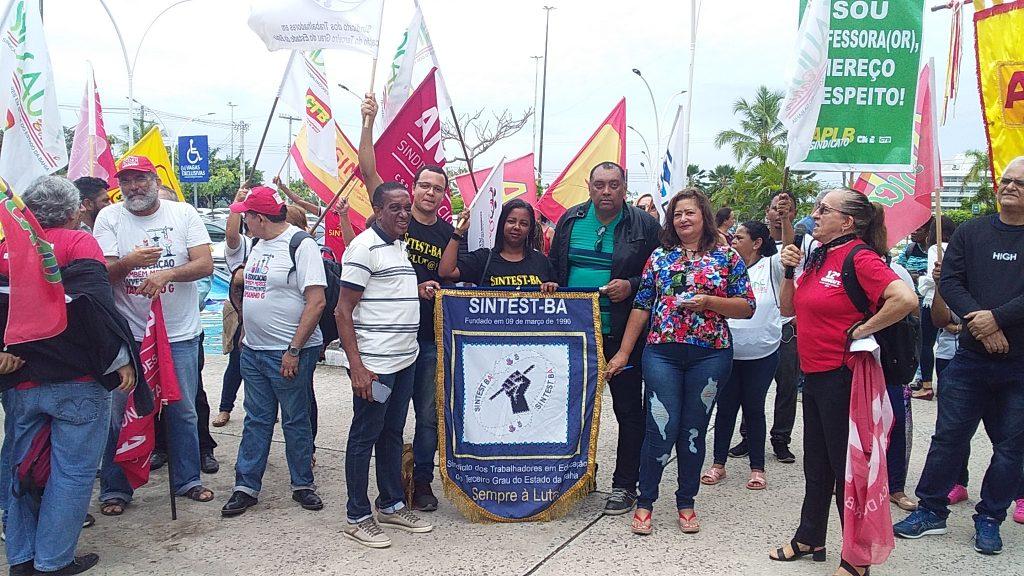 Servidores reunidos na luta contra a PEC da Previdência Estadual – As categorias ameaçam entrar em greve